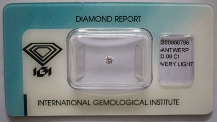 1 pcs Diamant - 0.08 ct - Briljant - very light pink - Not mentioned on the certificate