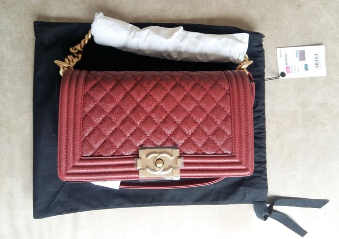 dc6866e3b63fdd Chanel - Boy Flap Burgundy Shoulder bag - Catawiki