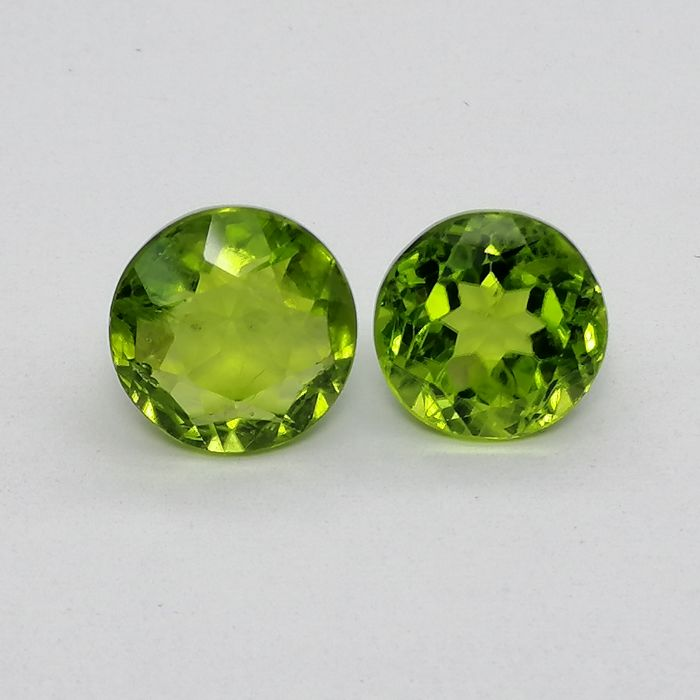 2 pcs  Olivijn - 8.40 ct