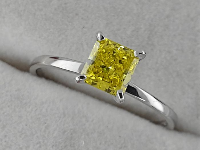 14 quilates Oro blanco - Anillo - Color tratado 0.65 ct Diamante