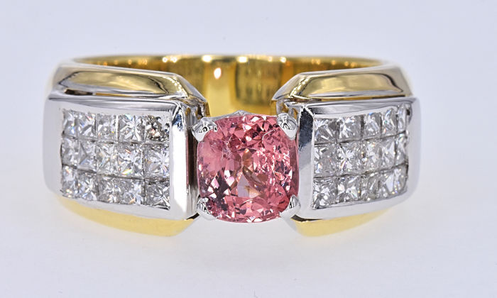 18 kt. White gold, Yellow gold - Ring - 1.09 ct Pink Spinel - 1.68 ct Diamonds