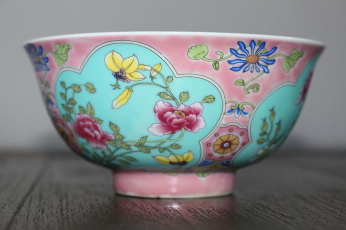 Kom (1) - Familie rose - Porselein - Bloemen - China  porcelain  pink colour  flower bowl - China - 21e eeuw