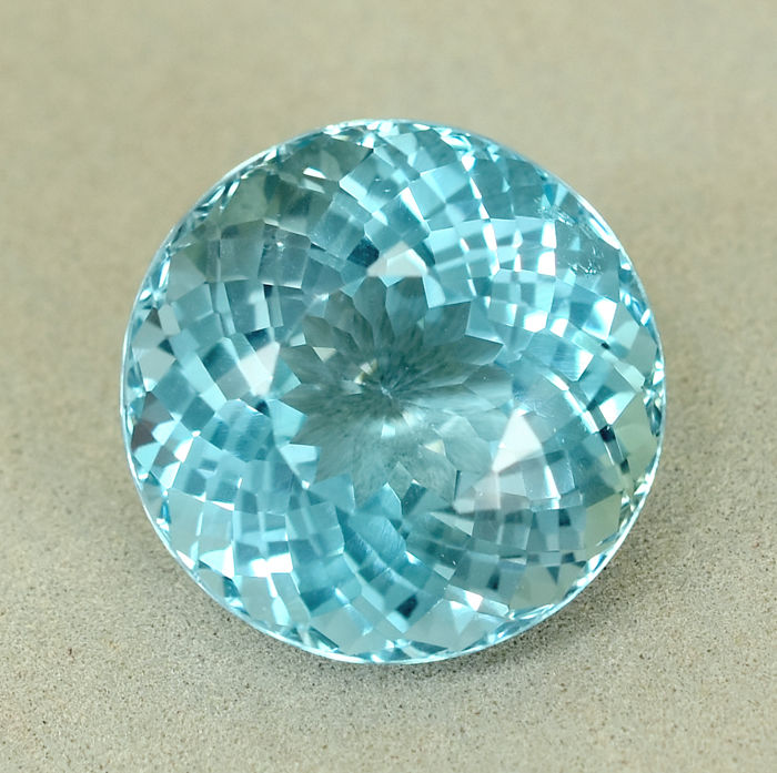 Zwitsers blauw Topaas - 26.27 ct