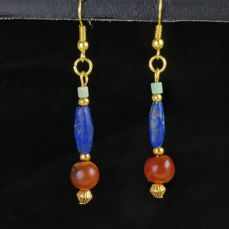 Ancient Egyptian Carnelian Earrings with faience and Lapis Lazuli beads - 61.2 mm - (1)