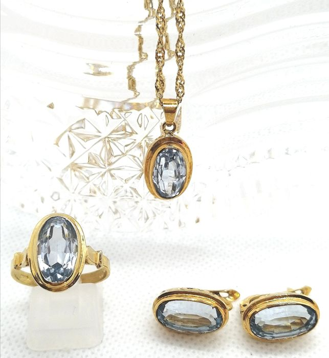18 kt. Yellow gold - Earrings, Necklace with pendant, Ring, Set - 11.60 ct Topaz
