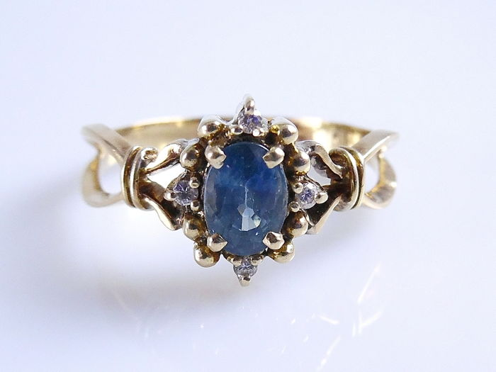 18 kt. Yellow gold - Ring - 0.62 ct Sapphire - Diamond