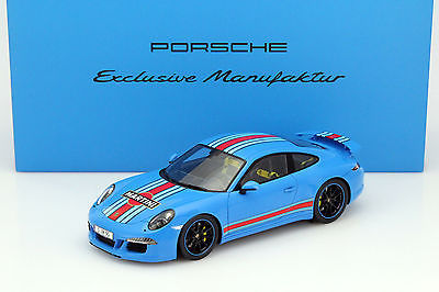 Spark - 1:18 - Porsche 911 (991) Carrera S 2014 Martini Racing incl. vitrine - Ltd. Ed. Of 600 pcs