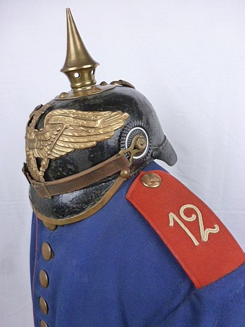 Duitsland - Uniform en Pickelhaube Grendieren Regiment Nr.12