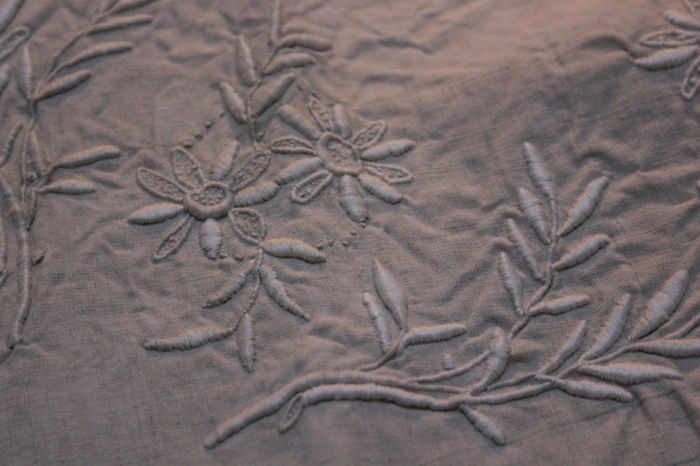 Embroidered fabric (1) - Linen - First half 20th century