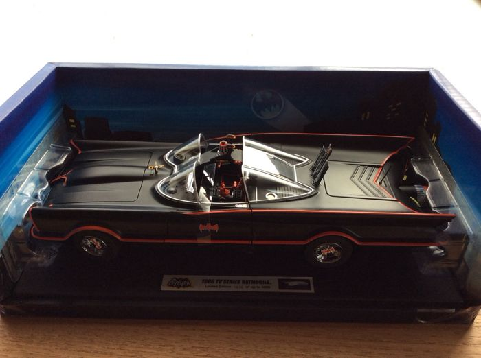 "Hotwheels Elite - 1:18 - 1966 TV Series ""BATMOBILE"""