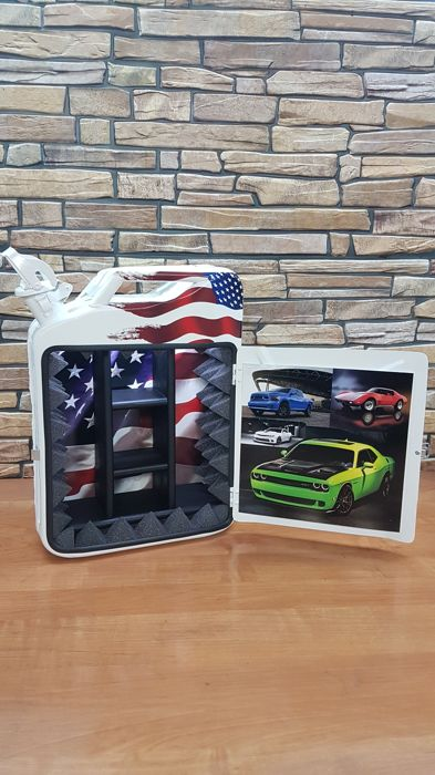 Decorative object - American the best car in the jerrycan bar designer - Ford USA - After 2000