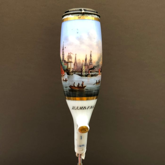 PFS - Finely painted pipe with Hamburg harbour scene - Porcelain