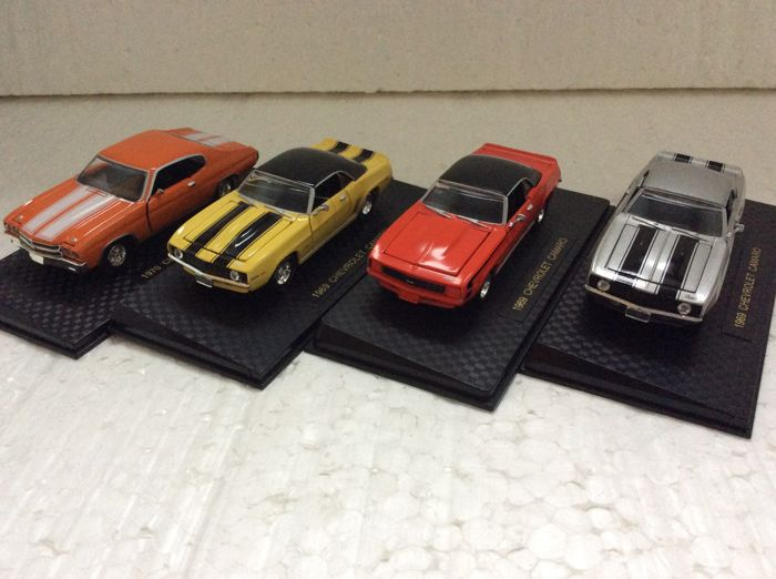 Road Champs - 1:43 - Lot with 4 models: 1969 Chevrolet Camaro Z28 302 and 350 and SS396 - and 1970 Chevrolet Chevelle