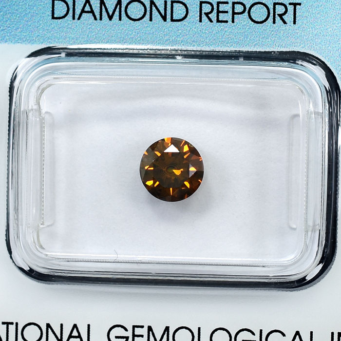 Diamante - 0.76 ct - Brillante - Fancy Intense Brownish Yellow - SI1