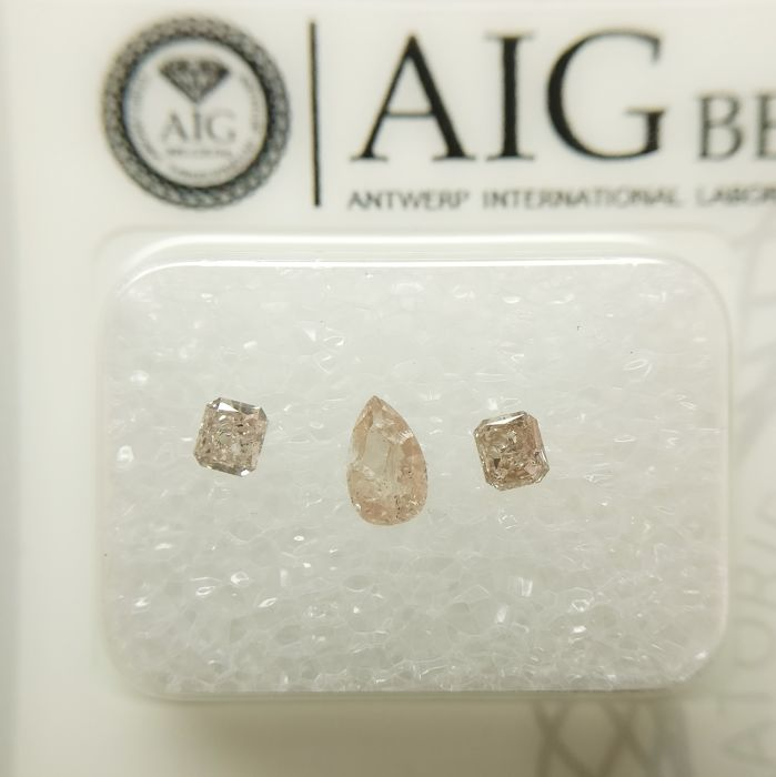 3 pcs Diamonds - 0.40 ct - Pear, Radiant - I2