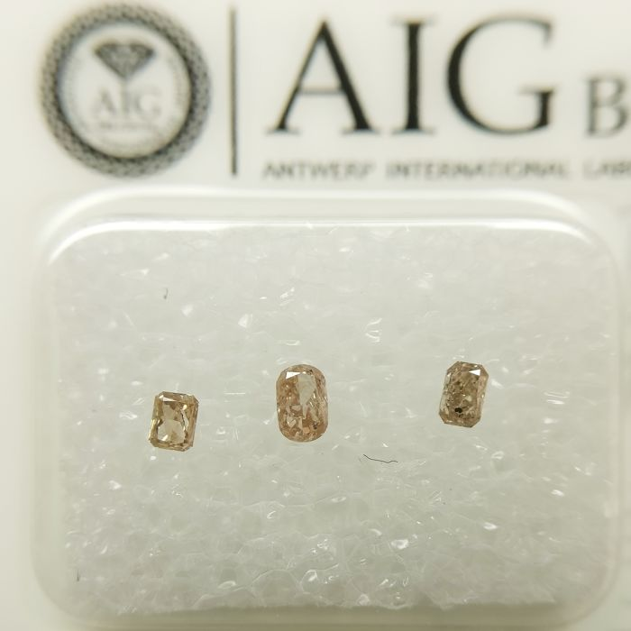 3 pcs Diamanten - 0.16 ct - Ovaal, Radiant - P1, SI2