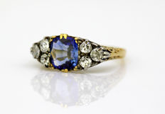 18 kraat Gulguld - Ring Safir - Diamanter