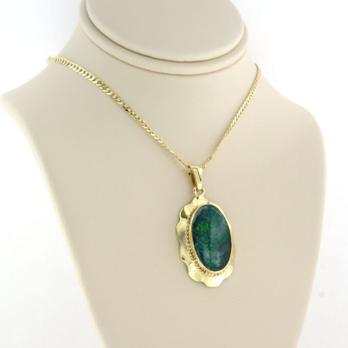 14 kt. Yellow gold - Necklace with pendant Opal