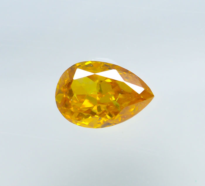 Diamond - 0.22 ct - Natural Fancy VIVID Yellow - SI1 *NO RESERVE*