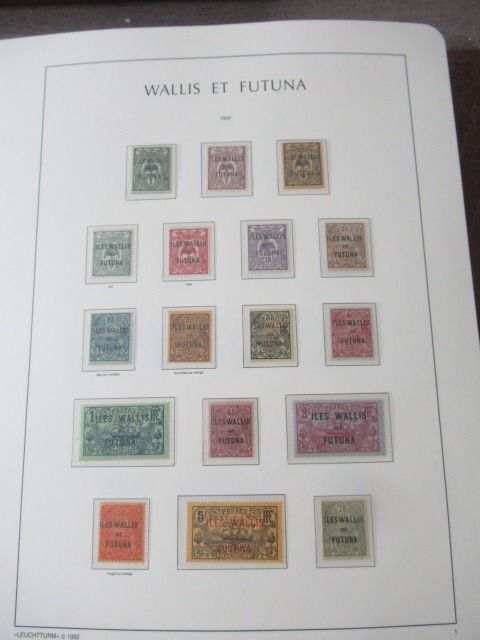 Wallis en Futuna 1920/2004 - Almost complete collection of stamps