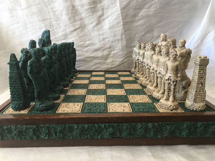 Vintage Cultural Chess The Conquest of America Collector - Houten plank 50 X 50 cm hoogte Figuren 17 cm