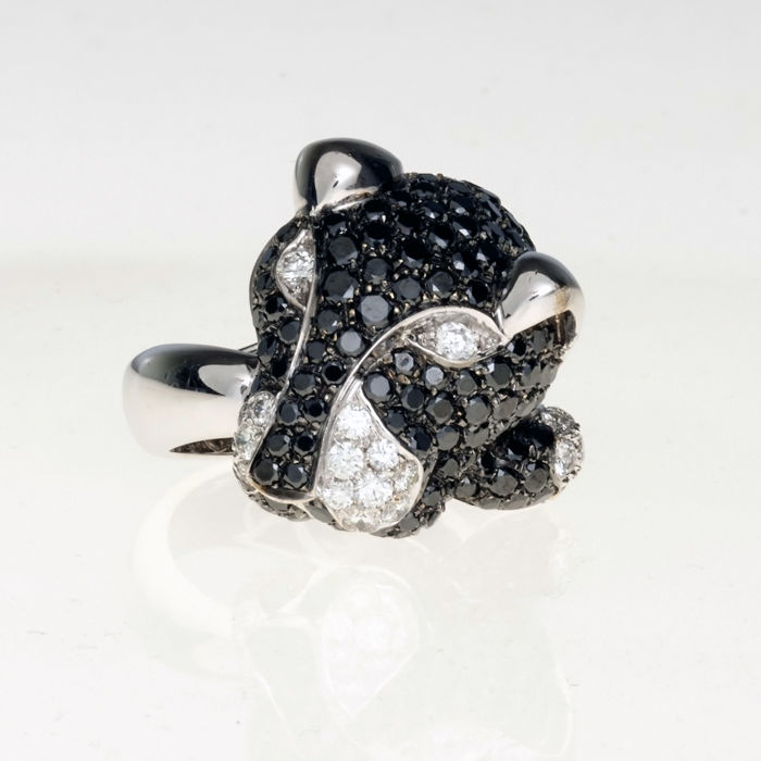 Leo Pizzo - 18 kt. White gold - Ring - 3.40 ct Black diamonds - Diamonds