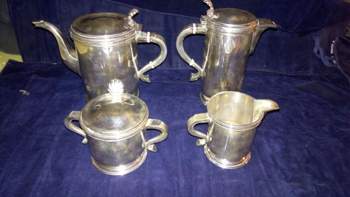 Four piece (4) Art Deco service in silver 800, Italy