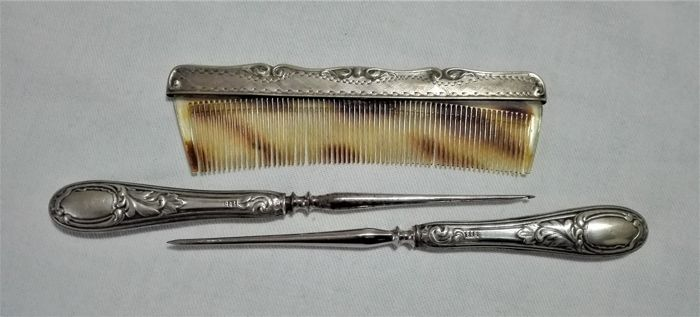Set consisting of Comb, Crochet and Awl (3) - .800 silver