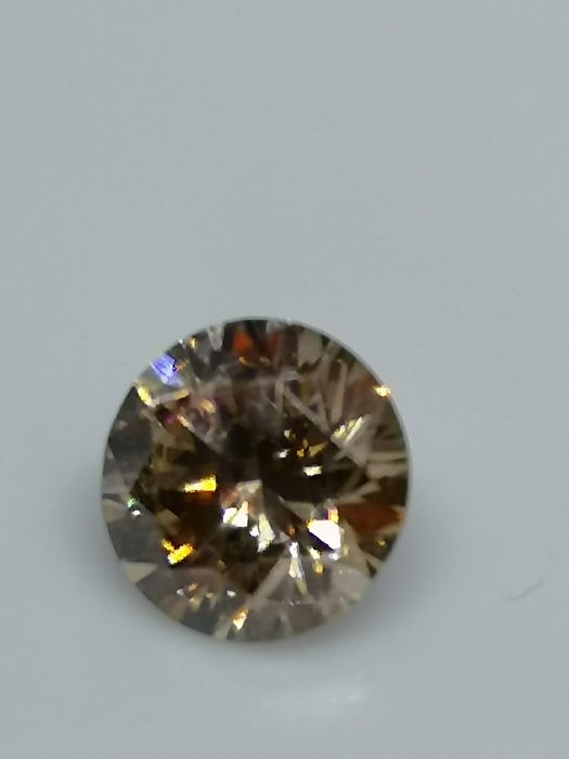 1 pcs Diamant - 0.72 ct - Briljant - Light  Brown  - SI2