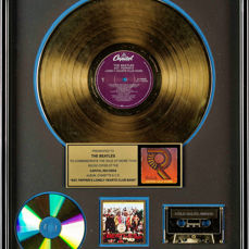 Beatles - Sgt. Pepper's Lonely Hearts Club Band - Gold  RIAA Award - Presented to The Beatles - Prix officiel RIAA - 1992/1966