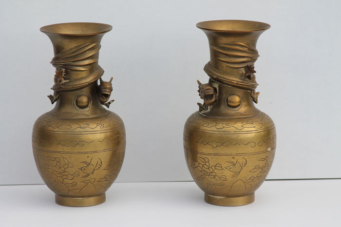 Vases (2) - Bronze - China - mid 20th century