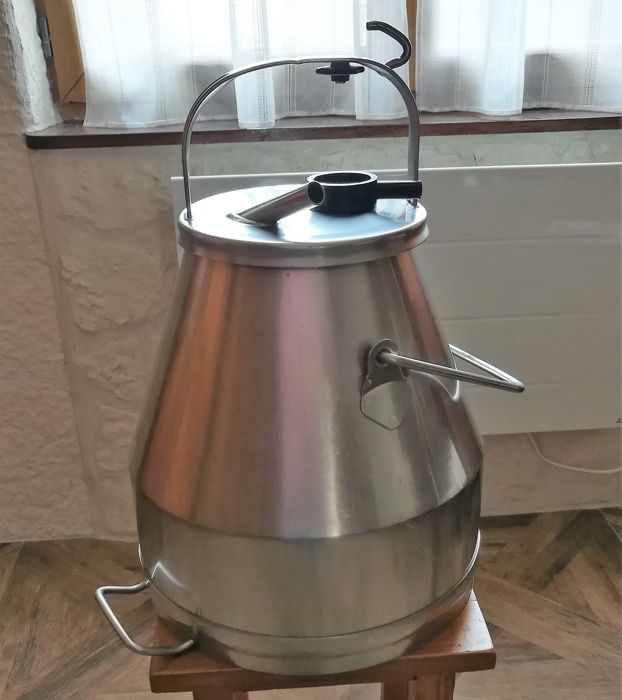 Milk container with lid / milk container 30 Liters - stainless food professional