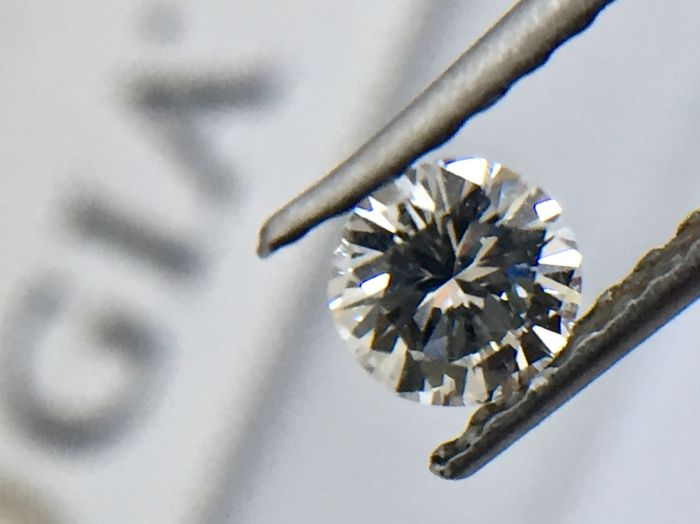 1 pcs Diamante - 0.37 ct - Brillante, Redondo - D (incoloro) - SI1