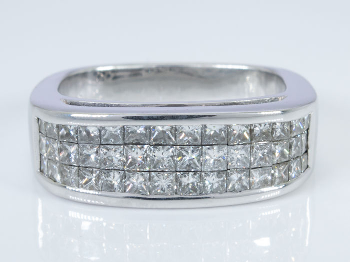 14 quilates Oro - 2.28 Ct - anillo de diamantes con 42 diamantes