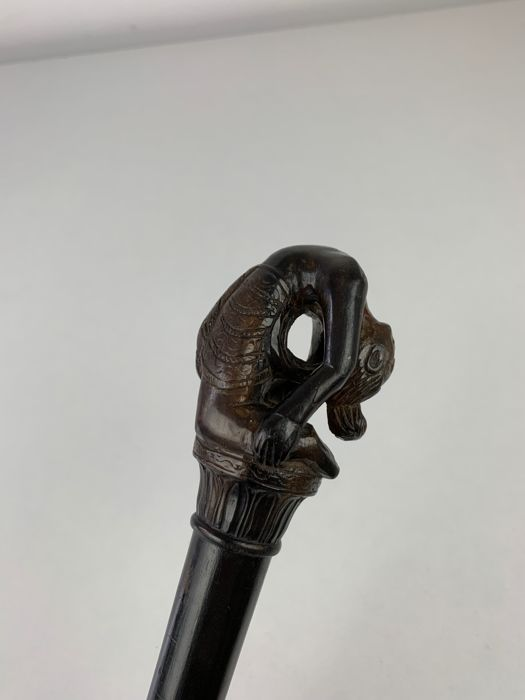 Wooden walking stick, cut from one piece of wood - Bonised wood - 1920