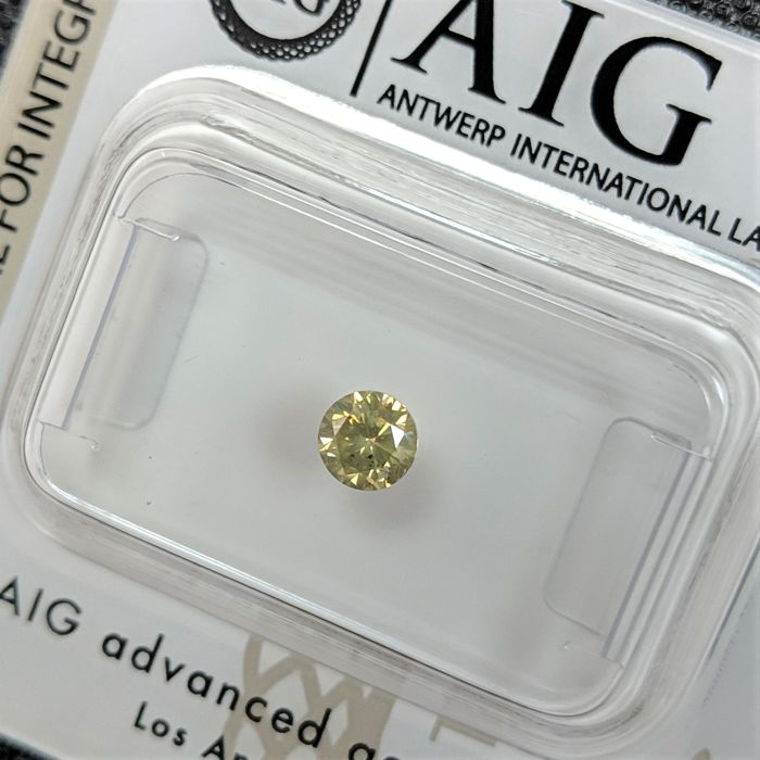 Diamant - 0.29 ct - Briljant - fancy intens yellowish green - No Reserve Price, SI2