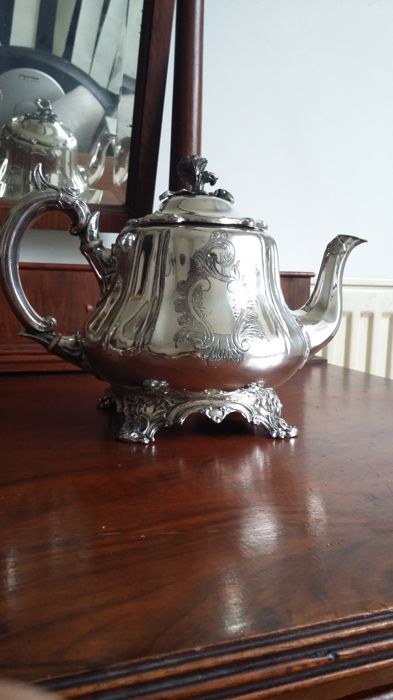 Teapot - Silver plated - shaw&fisher over sheffield - U.K. - 	1800-1900