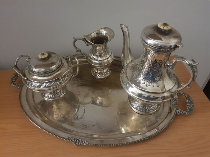 Dish, Milk jug, Sugar pot, Teapot (4) - Silverplate - Sheffield Royal Family  - England - 1900-1949