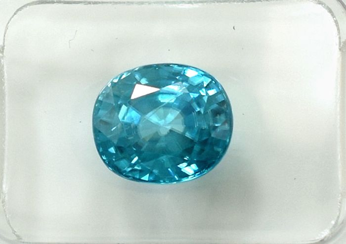 Blue Zircon - 4.10 ct
