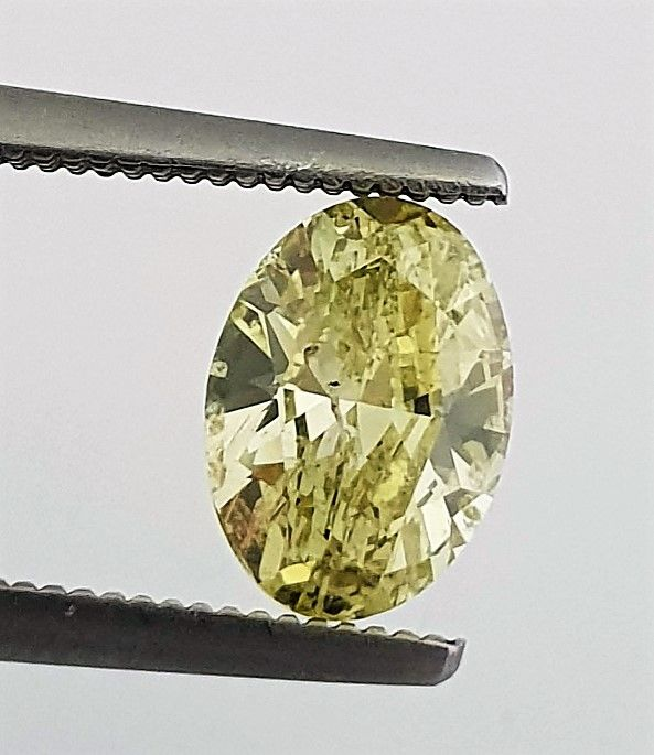 Diamond - 1.42 ct - Oval - Natural Fancy Vivid Green Yellow - Clarity Enhanced, SI2