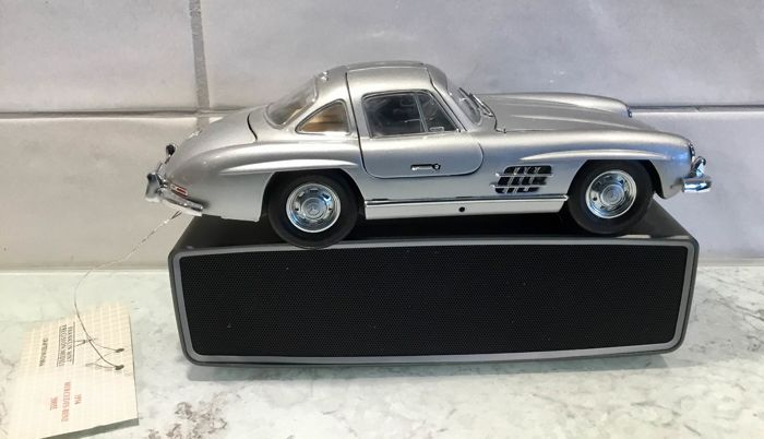 Franklin Mint - 1:24 - Mercedes Benz guinea 300 SL