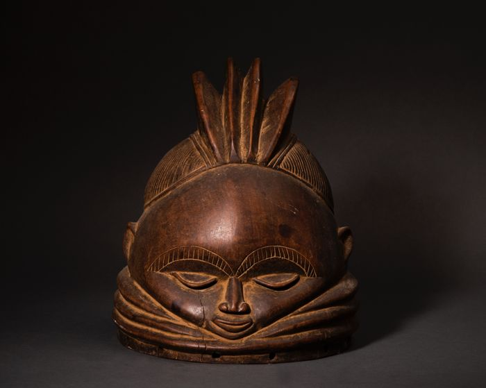 Helmet (1) - Medium heavy wood - Mende - Sierra Leone / Liberia
