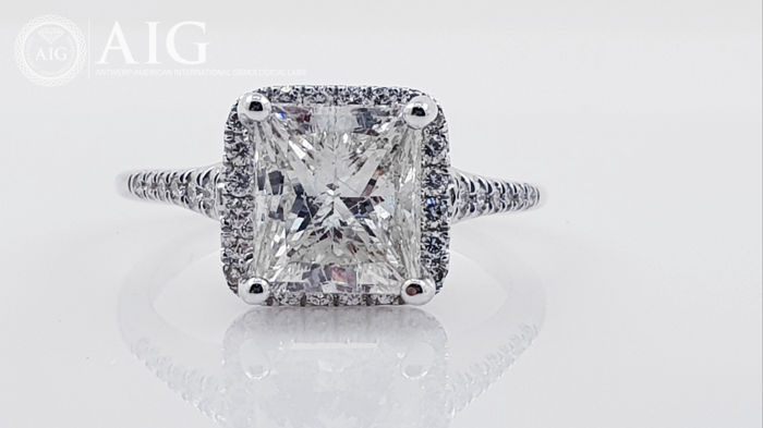14 carats Or blanc - Bague 3.68 ct Diamant