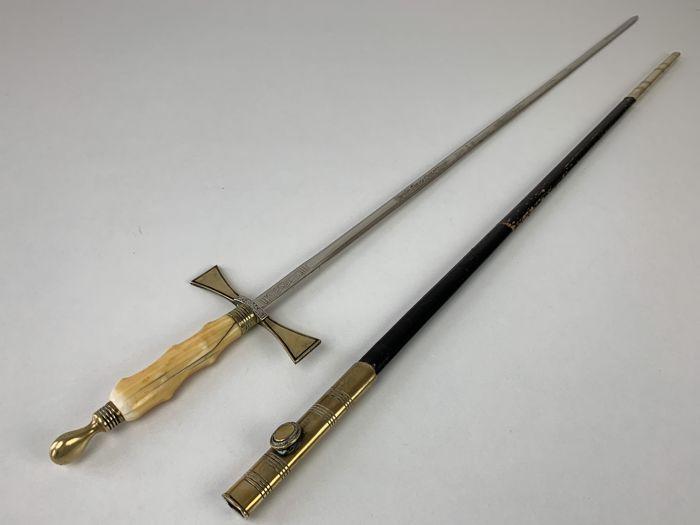 "Ceremonial Feemasons sword to ""knight"" - Ivoor, Messing, Staal"