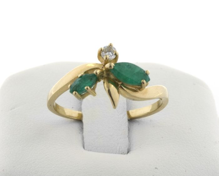 18 kt. Yellow gold - Ring Emerald - Diamond