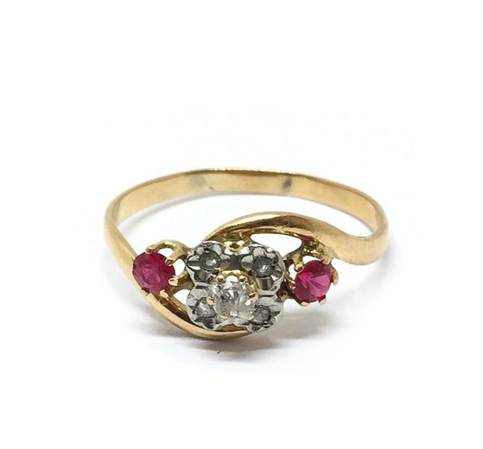 Antique - 18 kt. Yellow gold - Ring Diamond - Ruby