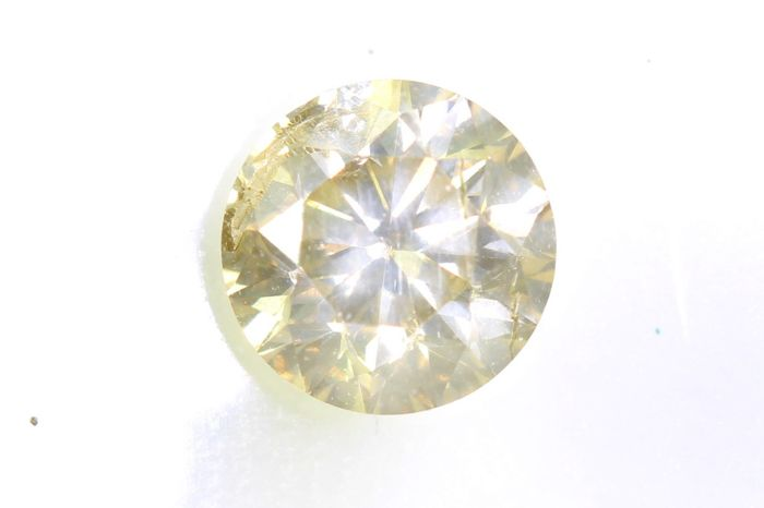 Diamond - 0.61 ct - Brilliant - * NO RESERVE PRICE *