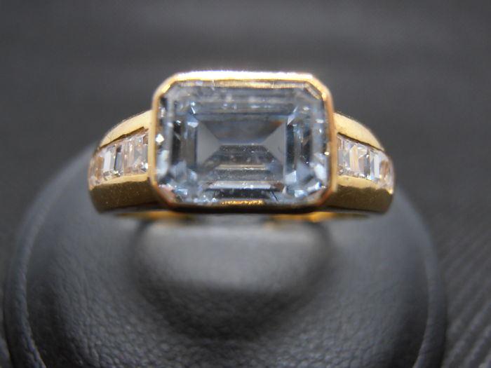 18 kt. Yellow gold - Ring - 0.60 ct Acqua marina - Diamonds