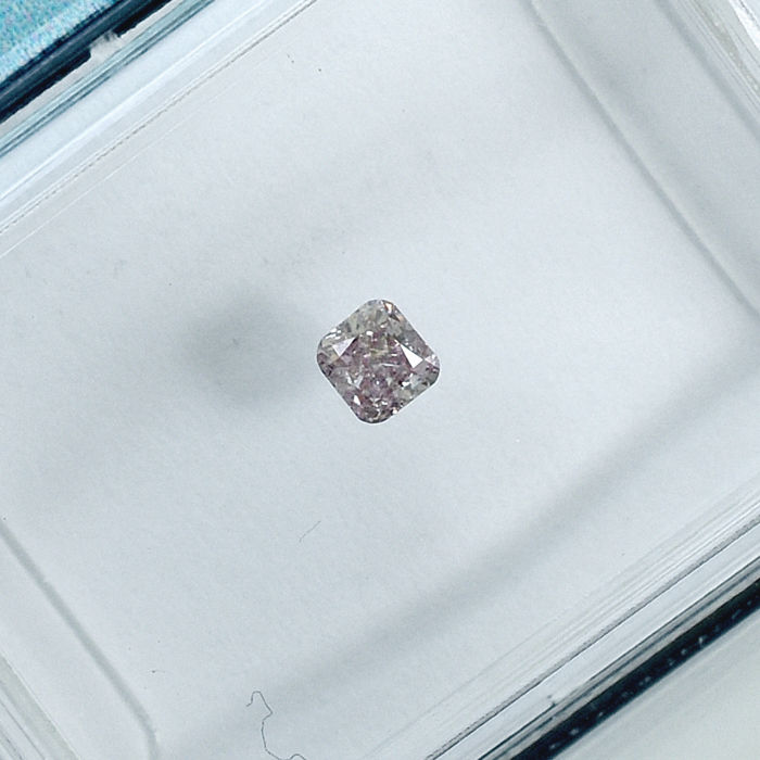 Diamant - 0.09 ct - Cushion - Natural Fancy Light Orangy Pink - I2 - NO RESERVE PRICE