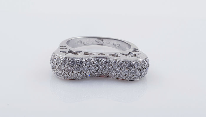 18 kt. White gold - Ring - 2.55 ct Diamond - f/vs2